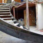 Escalera helicoidal curvada